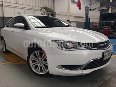 Foto venta Auto Usado Chrysler 200 200 Limited (2015) color Blanco precio $220,000