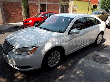 Foto venta Auto usado Chrysler 200 2.4L Touring (2012) color Blanco precio $130,000