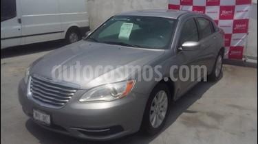 Foto venta Auto Usado Chrysler 200 2.4L Touring (2014) color Plata precio $155,000