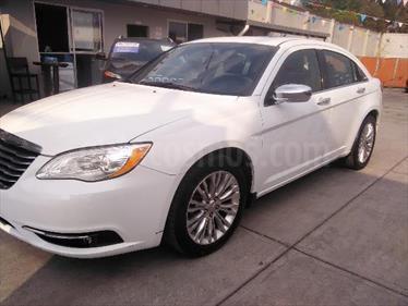 Foto Chrysler 200 4 pts. Touring, 2.4l, TA, CD, MP3, tela premium, R