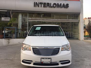 Foto venta Auto Seminuevo Chrysler Town and Country Li 3.6L (2016) color Blanco precio $310,000