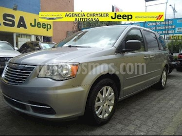 Foto venta Auto Seminuevo Chrysler Town and Country Li 3.6L (2015) color Plata precio $239,000