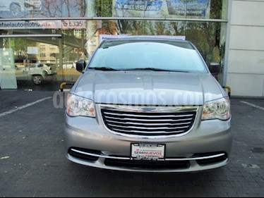 Foto venta Auto Seminuevo Chrysler Town and Country Li 3.6L (2016) color Plata Quarzo precio $270,000