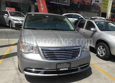 Foto venta Auto Seminuevo Chrysler Town and Country Li 3.6L (2016) color Plata Brillante precio $349,000