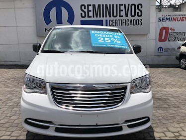 Foto venta Auto Seminuevo Chrysler Town and Country Li 3.6L (2016) color Blanco precio $290,000