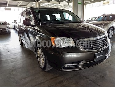 Foto venta Auto Seminuevo Chrysler Town and Country Li 3.6L (2014) color Gris Granito precio $290,000