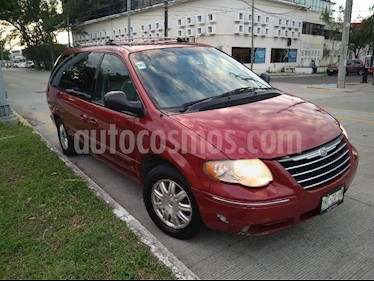 Chrysler Town and Country Limited 3.8L Aut usado (2007) color Rojo precio $95,000