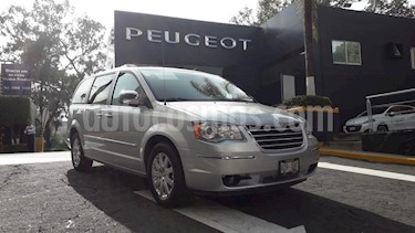 Foto venta Auto Seminuevo Chrysler Town and Country Limited 4.0L (2010) color Plata precio $189,900