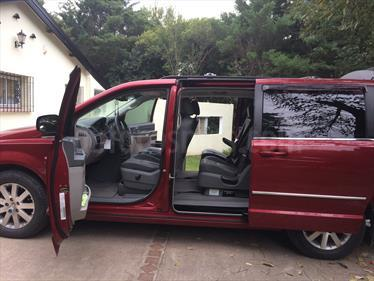 Foto venta Auto Usado Chrysler Town and Country Limited (2008) color Rojo Infierno precio $700.000