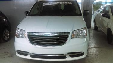 foto Chrysler Town and Country LX 3.6L