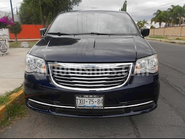 Foto venta Auto Usado Chrysler Town and Country LX 3.6L (2013) color Azul precio $210,000