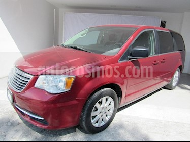 Foto venta Auto Usado Chrysler Town and Country LX 3.6L (2014) color Rojo precio $256,000