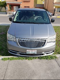 Foto venta Auto usado Chrysler Town and Country LX 3.6L (2013) color Plata precio $190,000