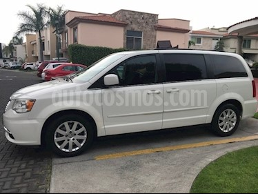 Foto venta Auto usado Chrysler Town and Country LX 3.6L (2013) color Blanco precio $200,000