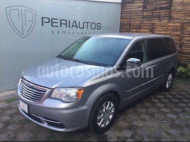 Foto venta Auto Seminuevo Chrysler Town and Country LX 3.8L  (2013) color Azul precio $165,000