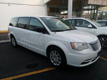 Foto venta Auto usado Chrysler Town and Country Touring 3.6L (2016) color Blanco precio $280,000