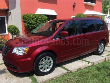 foto Chrysler Town and Country Touring 3.6L