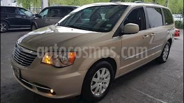 Foto venta Auto Usado Chrysler Town and Country Touring 3.6L (2014) color Crema precio $289,900