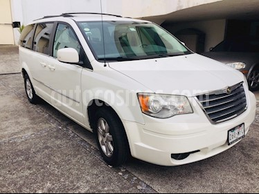Foto venta Auto usado Chrysler Town and Country Touring 4.0L (2008) color Blanco precio $130,000