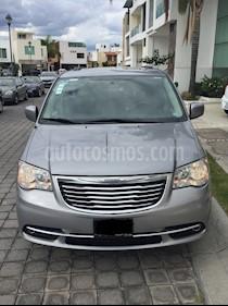Foto venta Auto usado Chrysler Town and Country Touring Piel 3.6L (2013) color Plata precio $225,000