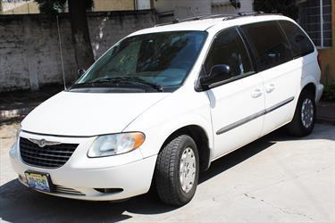 Foto venta Auto Seminuevo Chrysler Voyager 3.3L Base (2004) color Blanco precio $58,000
