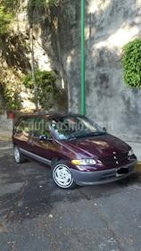 Foto venta Auto usado Chrysler Voyager 3.3L Base (1998) color Violeta precio $45,000