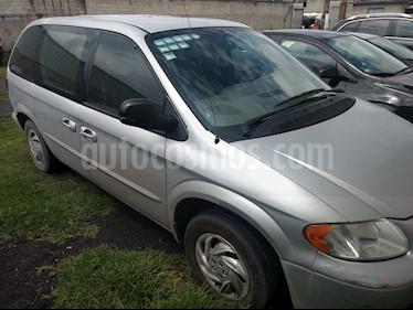 Foto venta Auto usado Chrysler Voyager 3.3L Base (2003) color Gris Plata  precio $55,000