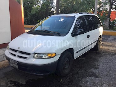 Foto venta Auto usado Chrysler Voyager 3.3L SE (2000) color Blanco precio $37,000