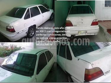 Foto venta carro usado Daewoo Cielo BX Sinc. (2000) color Blanco precio BoF299.998