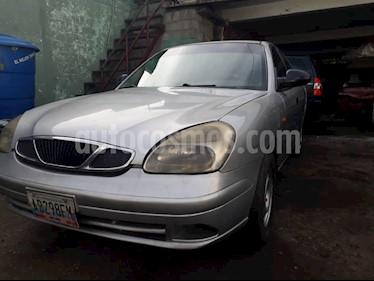 Foto venta carro Usado Daewoo Nubira CDX Sinc. (2002) color Plata precio BoF100.000