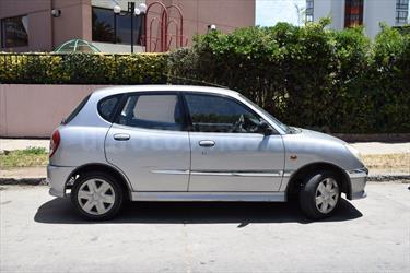 Foto venta Auto usado Daihatsu Sirion 1.3 Mec 5P (2001) color Gris precio $2.250.000