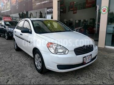 Foto venta Auto Seminuevo Dodge Attitude GL 1.6L Aut (2011) color Blanco precio $95,000