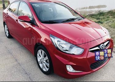 Foto venta Auto usado Dodge Attitude GLS 1.6L Aut (2013) color Rojo Pasion precio $160,000