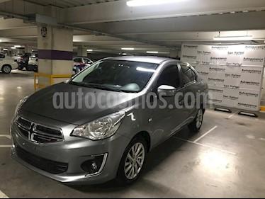 Foto venta Auto Seminuevo Dodge Attitude SXT (2018) color Grafito precio $185,000