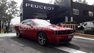 Foto venta Auto Seminuevo Dodge Challenger 3.6L Black Line ATX (2016) color Rojo precio $454,900