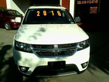 Foto venta Auto Seminuevo Dodge Journey R-T 3.6L (2016) color Blanco precio $370,000