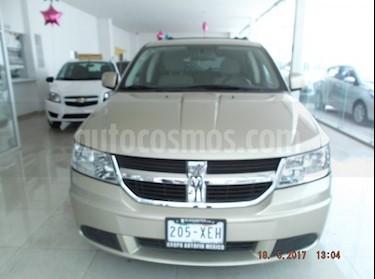 Foto venta Auto Seminuevo Dodge Journey SXT 4 CIL (2010) color Beige precio $150,000