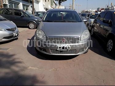 Foto venta Auto Usado Fiat Linea Essence 1.8 (2011) color Gris Claro precio $200.000