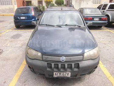 Foto venta carro usado Fiat Palio Adventure 1.8L (2003) color Verde Lagoon precio u$s1.600