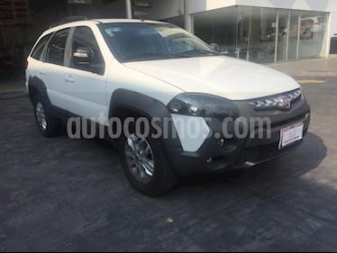 Foto venta Auto Seminuevo Fiat Palio 4P 1.6L B (2017) color Blanco precio $235,000