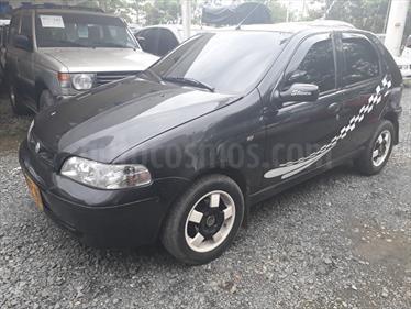 Foto venta Carro Usado Fiat Palio Young 1.3 5 puertas (2005) color Negro precio $13.800.000