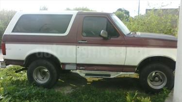 Foto venta carro usado Ford Bronco Basica 4x4 V8 5.0i 16V (1995) color Blanco precio BoF50.000.000