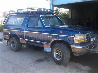 Foto venta carro usado Ford Bronco Basica 4x4 V8 5.0i 16V (1992) color Azul Andino precio u$s1.000
