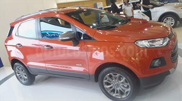 Ford Ecosport Titanium Aut 4x2 usado (2017) color Rojo precio BoF200.000.000
