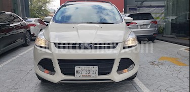 Foto venta Auto Seminuevo Ford Escape SE Plus (2014) color Blanco Oxford precio $234,000