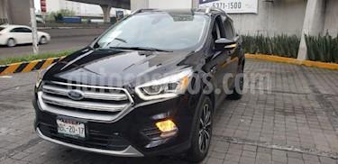 Foto venta Auto Seminuevo Ford Escape Titanium EcoBoost (2017) color Negro precio $420,000