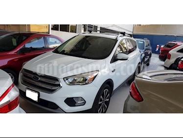 Foto venta Auto Seminuevo Ford Escape Titanium EcoBoost (2017) color Blanco precio $410,000