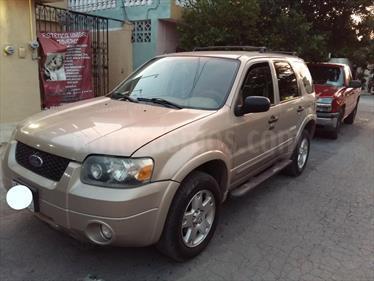 Foto venta Auto Seminuevo Ford Escape XLT 3.0L V6 (2007) color Oro precio $93,500