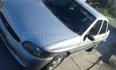 Foto venta Auto usado Ford Escort CLX (2001) color Gris Acero precio $59.900