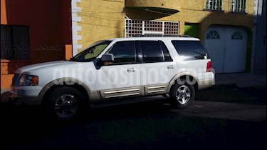Foto venta Auto usado Ford Expedition Eddie Bauer 4x2 (2005) color Blanco precio $110,000